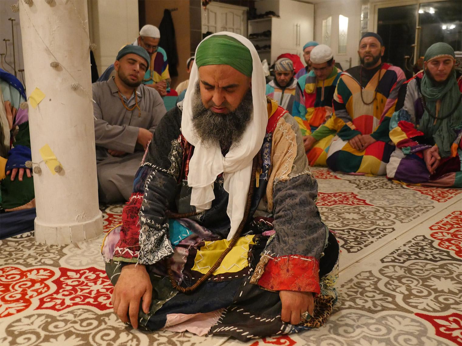 Assise de dhikr avec les hommes (Lyon)